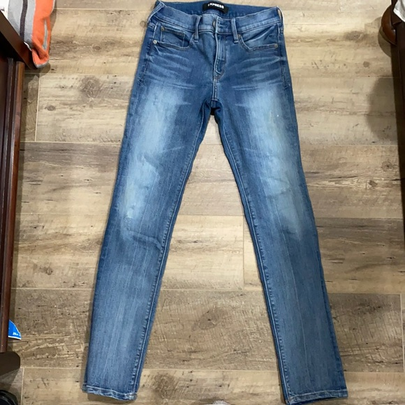 Express jeans women's size 0R lightly distressed